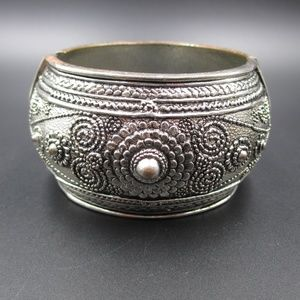 Rustic Ornate Silver & Copper Tone Bracelet